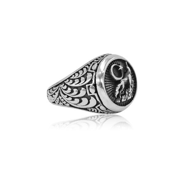 Ay Yıldızlı Bozkurt Motifli Gümüş Erkek Yüzük VEY-1117